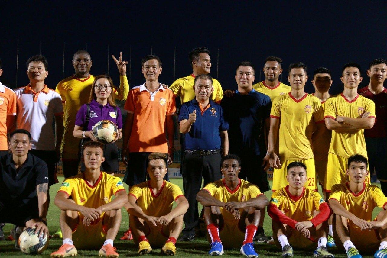 Công ty Công nghệ sinh học TVT tài trợ cho Đội bóng Dược Nam Hà Nam Định